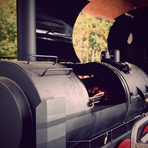 barbecue-emma-600x600E790D33C-79D4-3FA4-7640-1591040E891B.jpg
