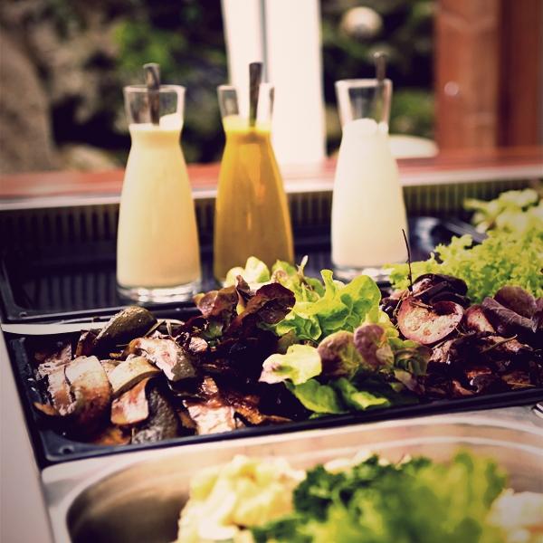 barbecue-salatbar-600x60020880E99-023E-D5AE-24C2-2441BAE37AB3.jpg