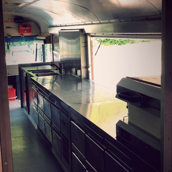 scharnagl-foodtruck-bar-gallery-600x600F7BF7222-C9DC-9BD6-B46B-F84CEB6D874A.jpg
