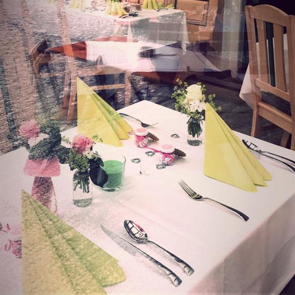 restaurant-600x600-tischaussenA41FC28F-609E-95C2-E693-C03EA3AA7728.jpg